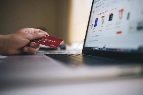 Varno nakupovanje na spletu, previdno z osebnimi podatki