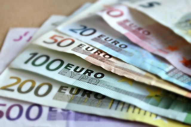 Naložbe so uporaba denarja z namenom povečanja premoženja